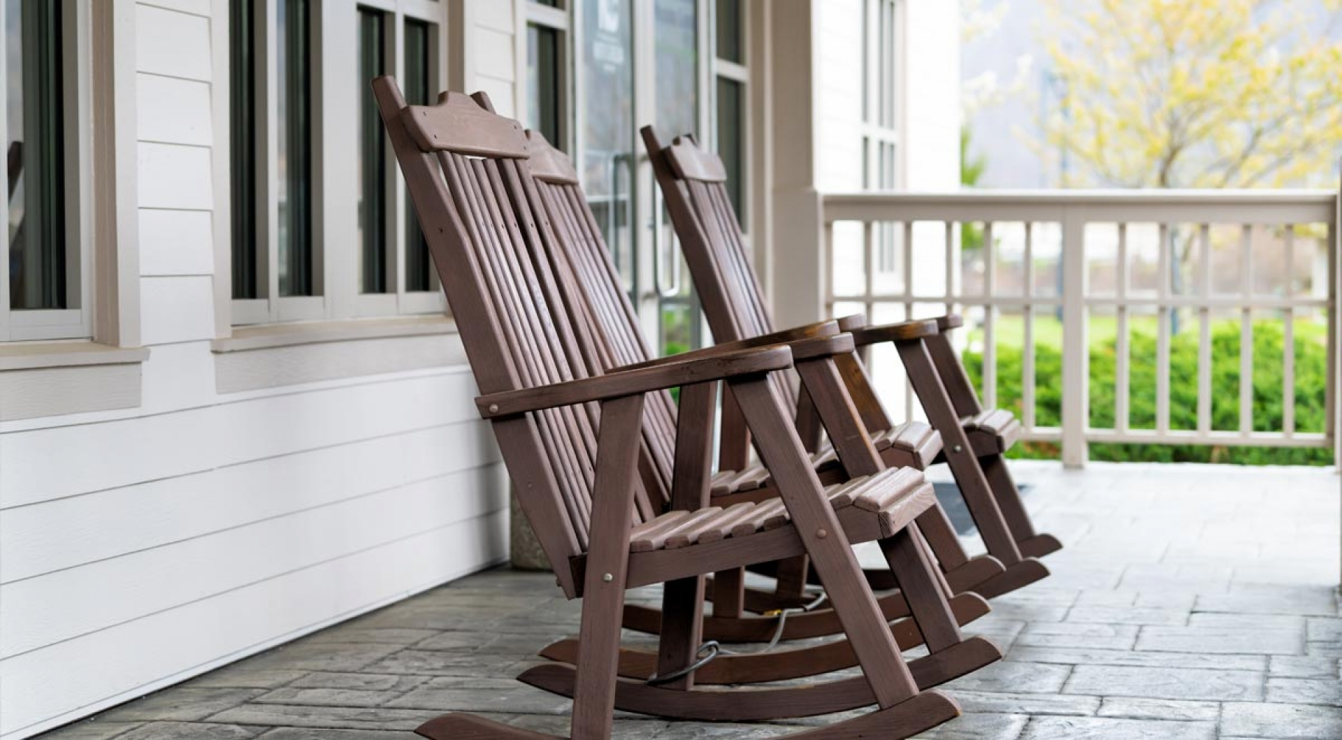 12 Steps for Pressure Washing Porches